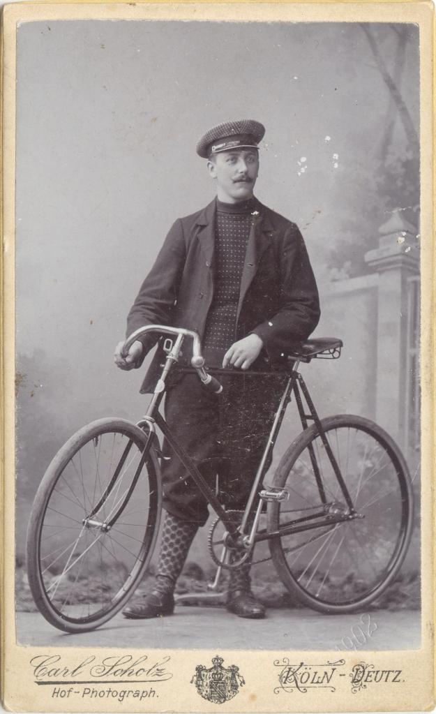 1902_velocipedista_alemão